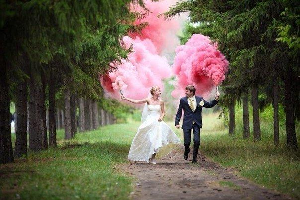 цветной дым фото на свадьбу
